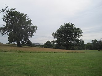 Mill Hill Park - Image: Mill Hill Park west view