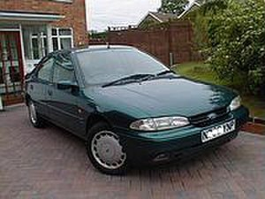 """Essex man - A 1995 Ford Mondeo that a """"Mondeo man"""" may have aspired to own."""