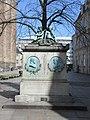 Monument for digterne Johan Herman Wessel og Johannes Ewald.jpg