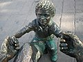 Monumento al padre, perspectiva del padre.jpg