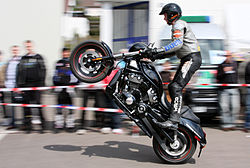 Motorcycle stunt Schwarz amk.jpg