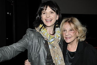 Jeanne Moreau - Moreau with Juliette Binoche at the Elysee Biarritz theatre in Paris, 22 October 2009
