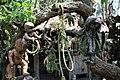 Muñecas colgadas junto a cuerda.JPG