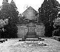 Nagycenk 1969, Gróf Széchenyi Alajos síremléke. Fortepan 25571.jpg