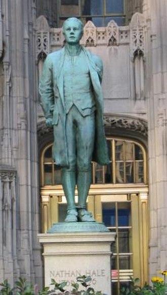 Captain Nathan Hale (statue) - Image: Nathan Hale statue Chicago Tribune Tower figure