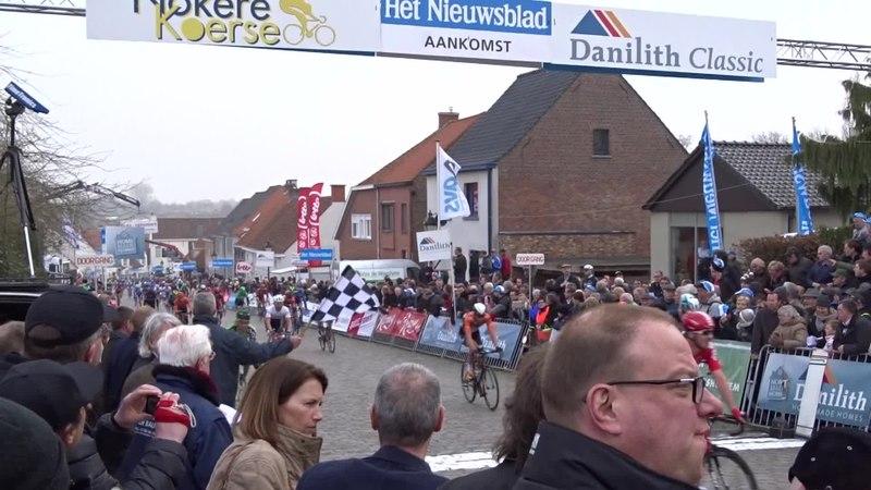 File:Nokere (Kruishoutem) - Nokere Koerse, 18 maart 2015, aankomst (B18A).ogv