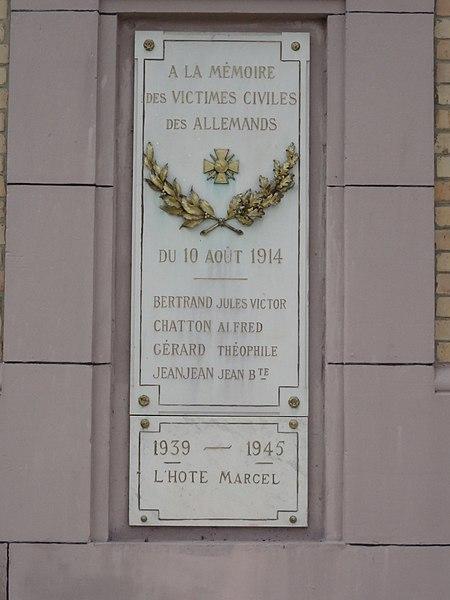 Nonhigny (M-et-M) mairie, plaque monument aux morts victimes civiles