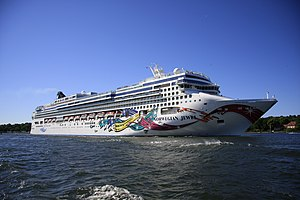 Norwegian Jewel MG 2862.jpg