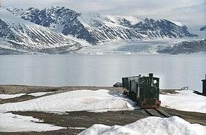 Transport in Svalbard - A locomotive on an abandoned railway near Ny-Ålesund