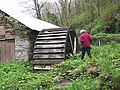 Old derelict water wheel - geograph.org.uk - 1275102.jpg