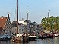 Old ship harbor, Leiden (9037039946).jpg