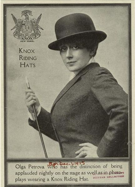 Datei:Olga Petrova with Knox Riding Hat,1915.jpg