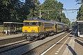 Oosterbeek NS 1736 met DD-AR stam 7377 als Sprinter 7527 Arnhem (29648581060).jpg