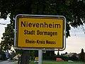 Ortseingangsschild Nievenheim.JPG