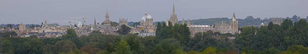 Oxford from Boars Hill skyline.jpg