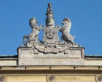 Sas coat of arms - Image: Pałac Uruskich Krakowskie Przedmieście