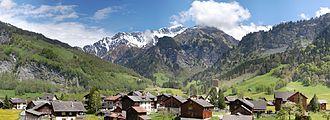 Elm, Switzerland - Image: Panorama Elm GL 3 scher 108