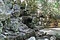 Parc des Buttes-Chaumont. petite cascade 01.jpg