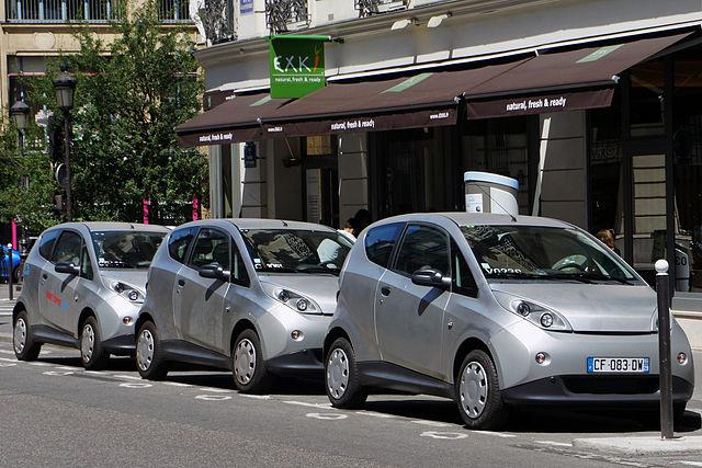 Renault Paris 640px-Paris_Autolib_06_2012_Bluecar_2905