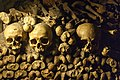 Paris catacombs (33812118484).jpg