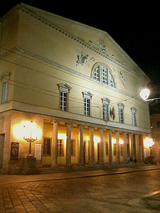 Parma Teatro Regio by night.jpg