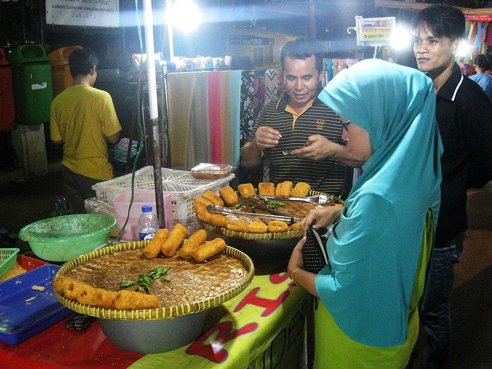 Pasar Malam Rawasari 6