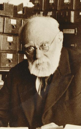 Paul Otlet - Image: Paul Otlet à son bureau (cropped)