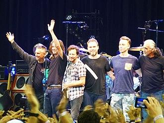 Lightning Bolt (Pearl Jam album) - Pearl Jam on the Lightning Bolt Tour at the Oracle Arena in Oakland, California, November 26, 2013