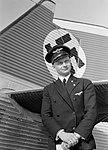 Piloot Horst Merz bij de Junkers G24 D-1089 Hestia die voor de lufthansa de lijn, Bestanddeelnr 190-0060.jpg