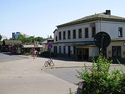 Pinneberg railway station 1.jpg