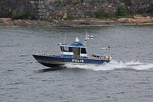 Poliisivene Särkänsalmessa.JPG