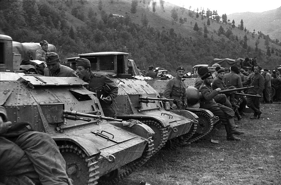 Polish soldier, machine gun, Polish brand, tank, combat vehicle Fortepan 78270