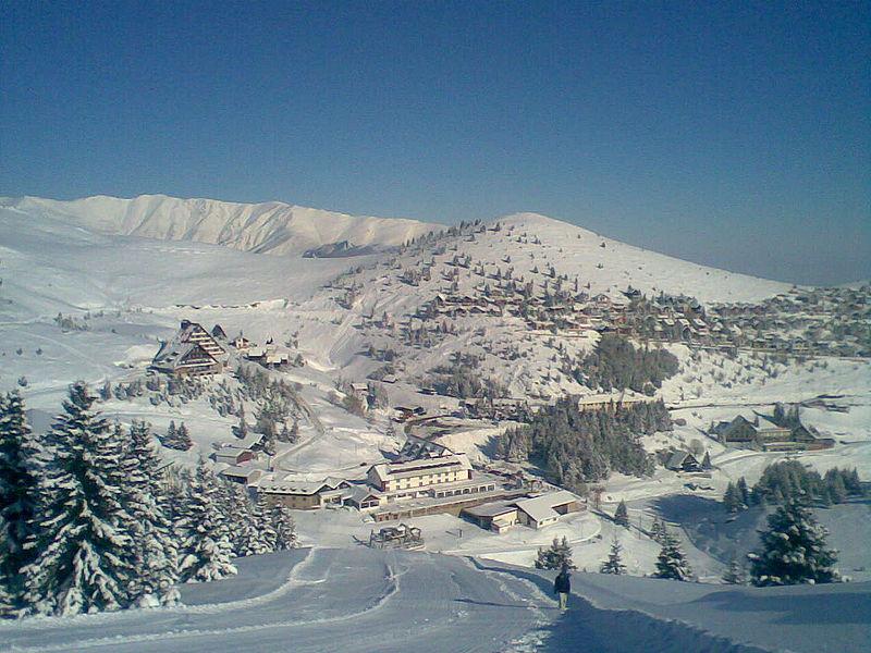 Податотека:Popova-Shapka-Panoramic-View.jpg