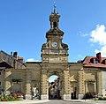 Porte Saint-Pierre (Pontarlier) en septembre 2014.jpg