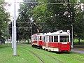 Praha, Bubeneč, smyčka Výstaviště, tramvaje č. 2210+1530 (01).jpg