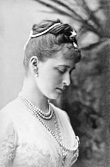 Princess Elisabeth of Hesse 1887 (c).jpg