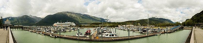 Puerto de Skagway, Alaska, Estados Unidos, 2017-08-18, DD 16-20 PAN.jpg