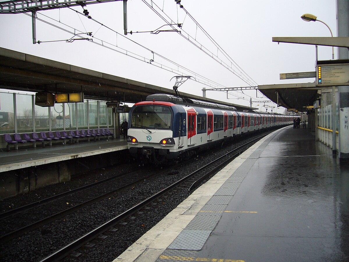 Saint maur cr teil paris rer wikipedia for Comboulevard de creteil saint maur