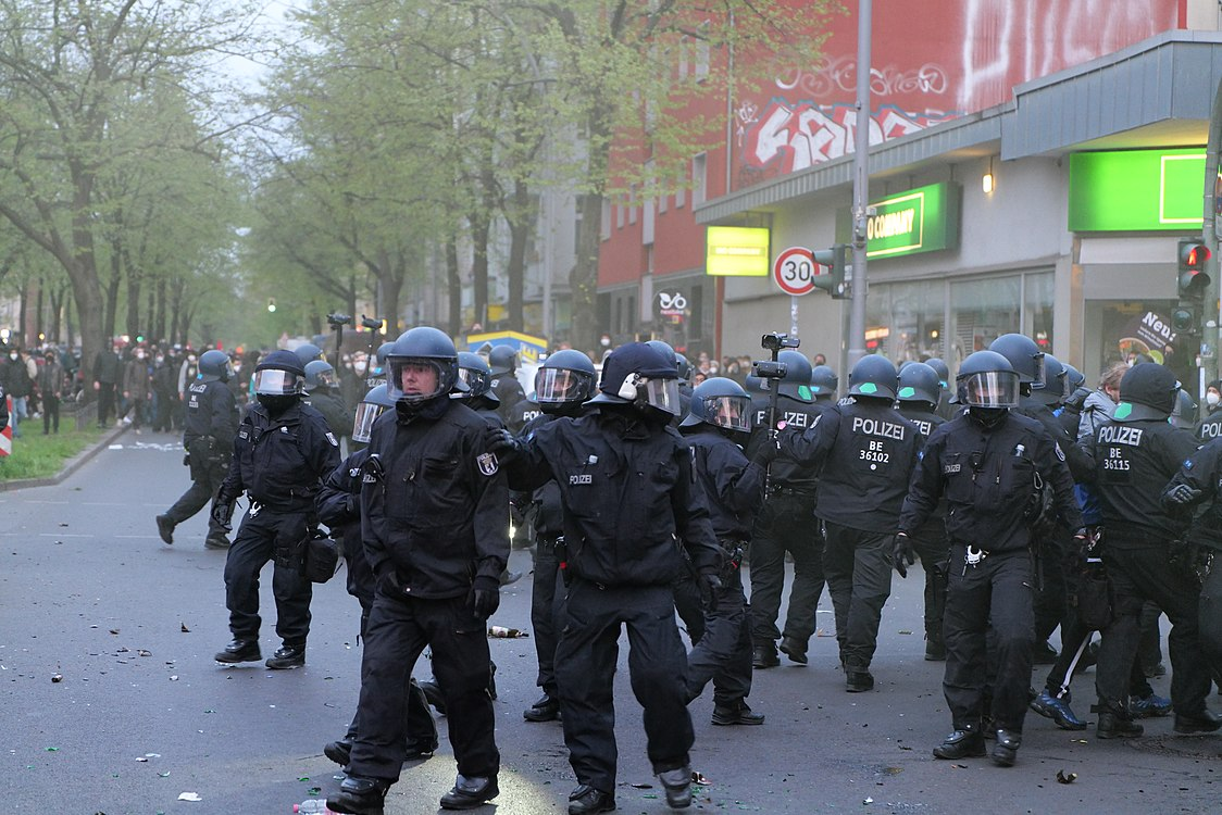 Revolutionary 1st may demonstration Berlin 2021 126.jpg