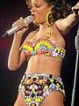 Rihanna - bercy 2011 - 11 (6269046455).jpg