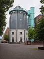 Rocket-shaped cupola of the Bonnefantenmuseum in Maastricht-Centrum (DSCF7938).jpg