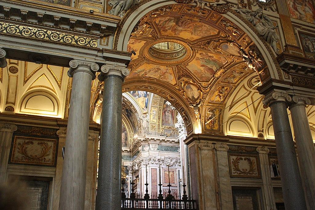 Rom, Santa Maria Maggiore, Blick zur Kapelle Cappella Paolina.JPG