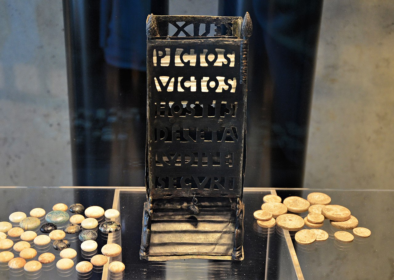 File:Roman dice tower (pyrgus or turricula) with the