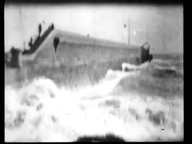 Datei:Rough Sea at Dover 1896 Birt Acres Robert W Paul.webm
