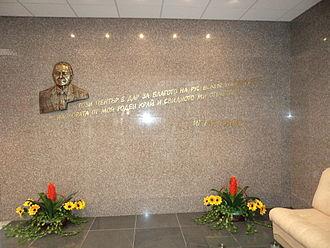 Ignat Kaneff - Image: Rousse University Kaneff Centre Ignat Kanev's Bas relief