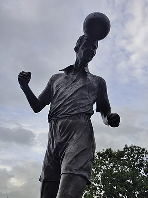 Roy Sproson - Roy Sproson statue outside Vale Park
