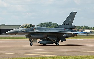 330px-Royal_Netherlands_Air_Force_F-16_arrives_RIAT_Fairford_10thJuly2014_arp.jpg