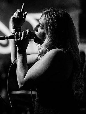 Rozes (musician) - Rozes performing in 2016.