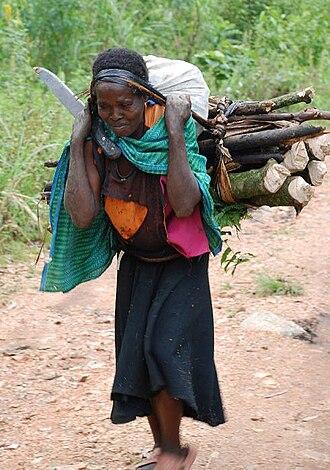 Rwenzori Mountains National Park - Ruwenzori Mountains woman