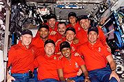 STS-116 + Expedition14 CrewMembers (NASA S116-E-06472)
